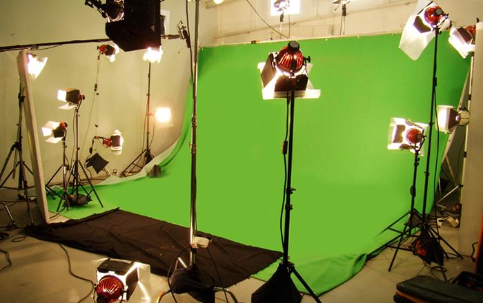 משהו רציני מסך ירוק, רקע ירוק, האולפן הירוק - צילום וידאו על גבי רקע ירוק PT-63